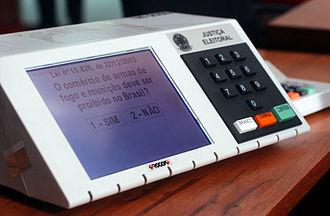 TRE-CE realiza el mantenimiento de las urnas para las elecciones 2020