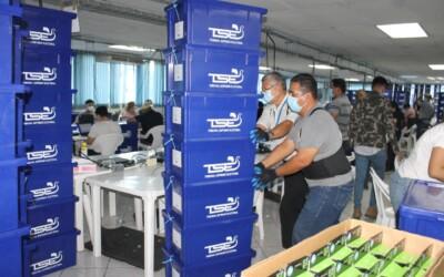TSE ya envió alrededor del 50% de equipo tecnológico a sedes logísticas